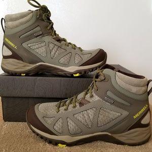 New Women's Merrell Waterproof Hiking shoes